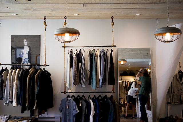 obchod s oblečením z druhé ruky