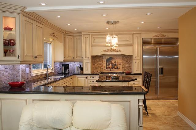 nová prostorná kuchyně
