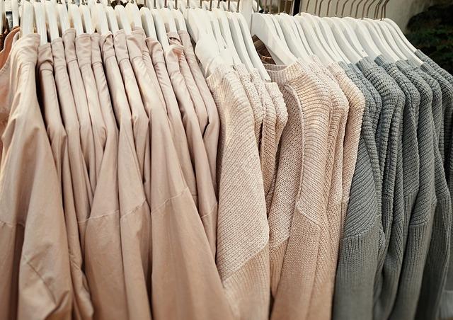 podobné oblečení