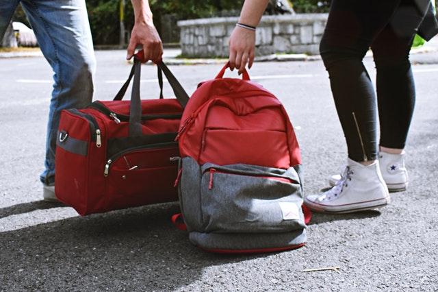 zavazadla v rukách.jpg